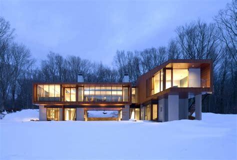 Bridgeshaped Holiday Home Amidst Nature  Modern House