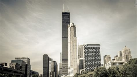 Chicago's Tallest Building Willis (sears) Tower Sells For