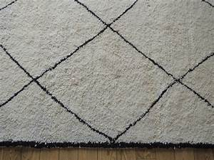 Tapis Ikea Noir Et Blanc : l 39 histoire de mon tapis beni ouarain les trouvailles d 39 alma et de sa maman ~ Teatrodelosmanantiales.com Idées de Décoration