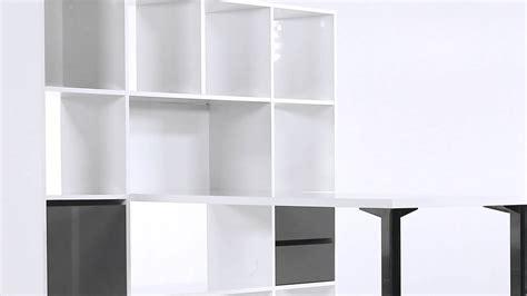 bureau pin blanc bureau droit blanc avec bibliothèque design minos but