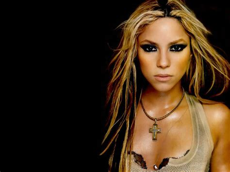 Latest Shakira Hot & Sexy Wallpapers