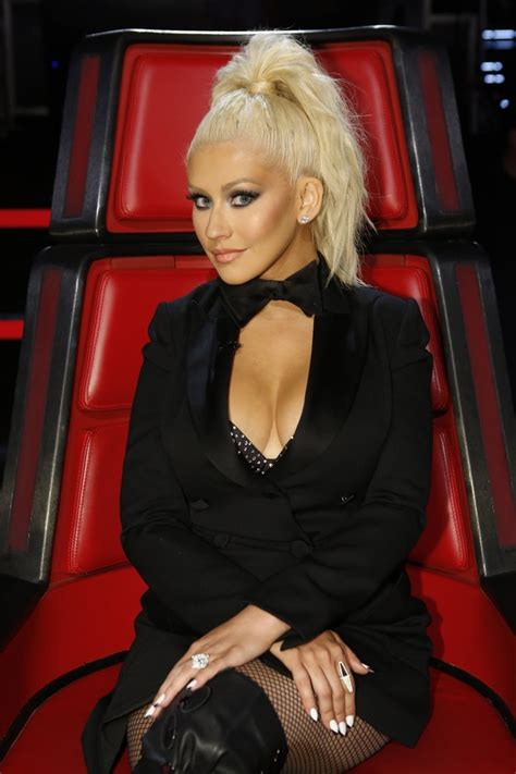 christina aguilera hottest body pictures show  sexy