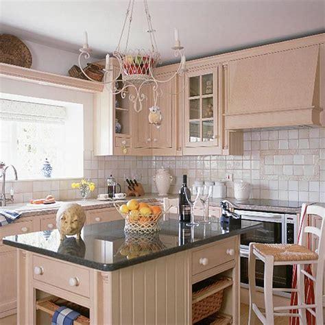 Cream Traditional Kitchen  Kitchen Design Housetohomecouk