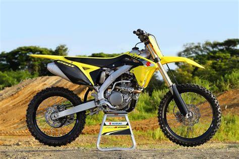 Cross X 250 Es Image by Les Premi 232 Res Images Des Suzuki Cross 2017 Motocross