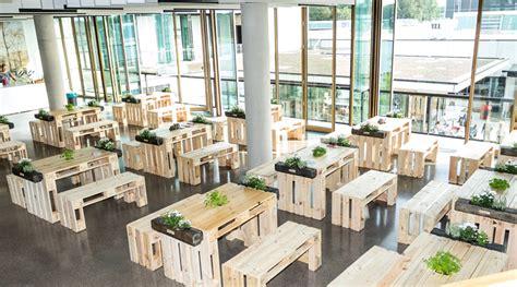 paletten loungem 246 bel sofas kaufen bei supersack stehtisch aus paletten bartisch stehtisch aus neuen geschliffenen paletten stehtisch aus