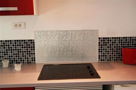 photo de credence pour cuisine crédence en verre personnalisée pour cuisine righetti