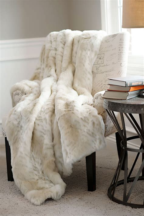 plaid beige canapé donna salyers 39 fabulous furs faux fur throw lynx