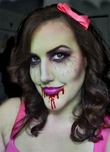 CarolinaCupcake Makeup: Zombie Girl Makeup! Halloween Look #3!
