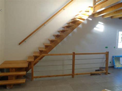 escalier quart tournant avec palier intermediaire escalier quart 224 limon central al 232 s gard uz 232 s les angles