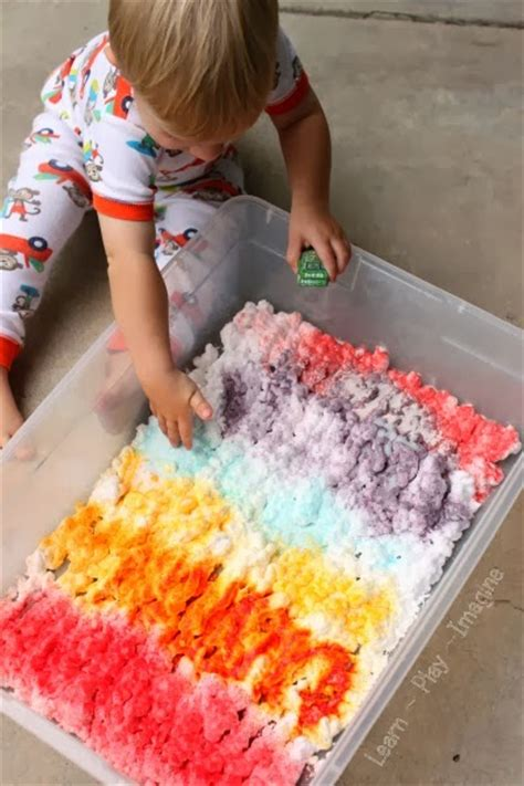 tips and tricks for play learn play imagine 109 | Shaving cream and Kool Aid sensory play (3)