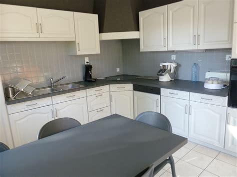 renover sa cuisine en chene rénover une cuisine comment repeindre une cuisine en