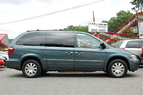 2005 Chrysler Town And Country Touring Details. Pittsburgh