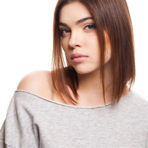 angled bob styles that are trending right now
