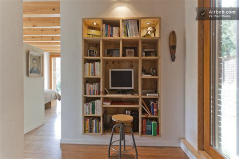 chaise d ecole maison du 19ème siècle meuble bureau encastrée dans le mur