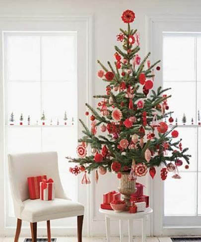 how to decorate a small christmas tree pinterest discover and save creative ideas