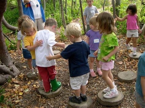 outside play for preschoolers dodge nature preschool earthplay 205