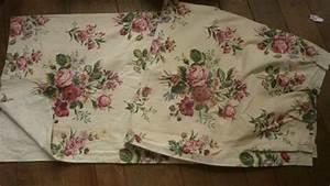 La Caverne Aux Mille Tissus : 1259 grand rideau ancien en tissu aux motifs de roses ~ Dode.kayakingforconservation.com Idées de Décoration