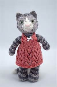 Free Pattern Knitted Kitty Cat