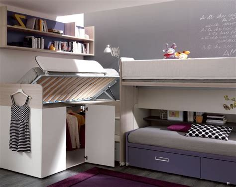 Tre letti sempre pronti con ampio guardaroba e scrivania