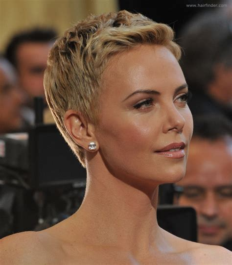Charlize Theron   Super short pixie cut for pale blonde hair