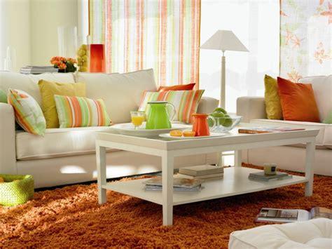 Einrichtung Kleiner Kuechemoderne Kleine Kueche In Orange by Kleines Wohnzimmer Einrichten 57 Tolle Einrichtungsideen