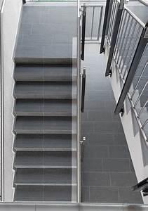 Wohnung Mit Treppe : gerade treppen treppen treppenformen baunetz wissen ~ Bigdaddyawards.com Haus und Dekorationen