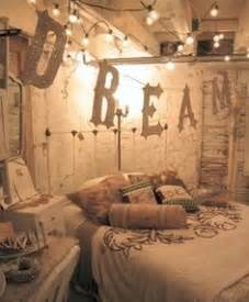 shabby chic schlafzimmer 1000 images about whimsical bedroom on whimsical bedroom bohemian room and floor