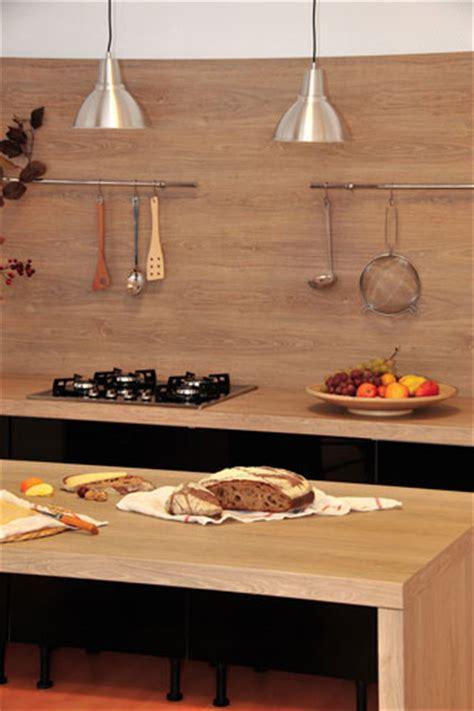 carrelage cuisine adh駸if cr 233 dence et plan de travail les nouveaut 233 s hygena