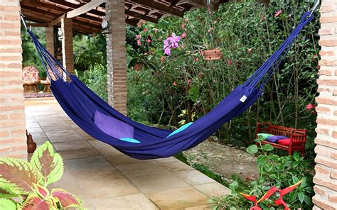 How To Hang A Hammock On A Porch by How To Hang A Hammock Step By Step Hayneedle