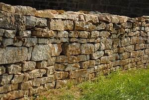 Construire Un Mur En Pierre : muret en pierre tous les conseil pour le construire ~ Melissatoandfro.com Idées de Décoration