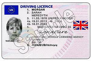 uk driving licences to display union flag auto express With apply for driving license card