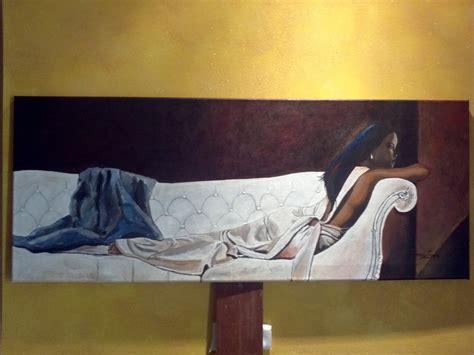 sul divano quadro con donna sul divano per la casa e per te