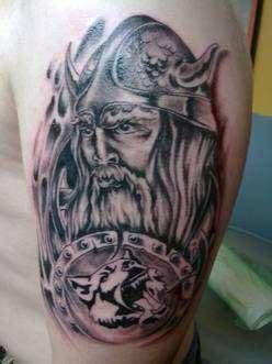 wolf oberarm wikinger mit kc wolf tatoo tattoos care und medusa