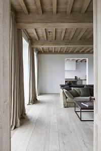 deco salon couleur lin avec poutres apparentes With quelle couleur peindre les portes 16 repeindre un escalier couleur bois vitrifie