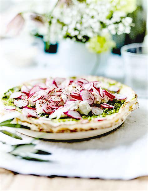 3 fr midi en recettes de cuisine foccacia au pesto ricotta et radis pour 8 personnes recettes 224 table