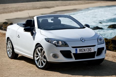 new renault megane new renault m 233 gane coup 233 cabriolet to hit uk showrooms in july
