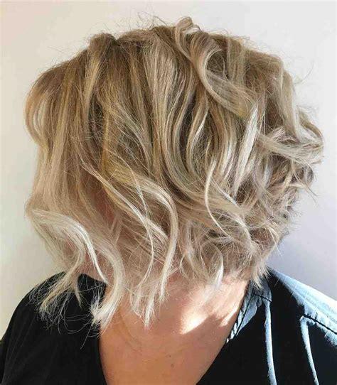 coupe de cheveux courts femme  ans une pleiade