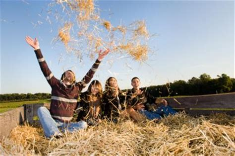 Stay Safe and Have Fun During a Hayride!