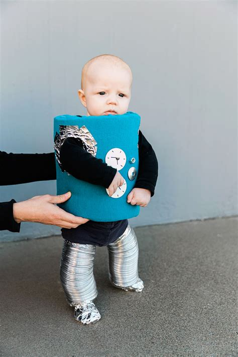 DIY ROBOT FAMILY COSTUME - Tell Love and Party