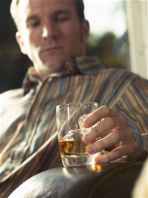 common signs symptoms  alcohol abuse