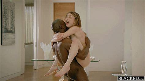 Kristen Scott Wants To Fuck A Black Cock