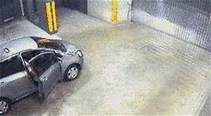 IRTI - funny GIF #1634 - tags: car crash ranover shutters fail