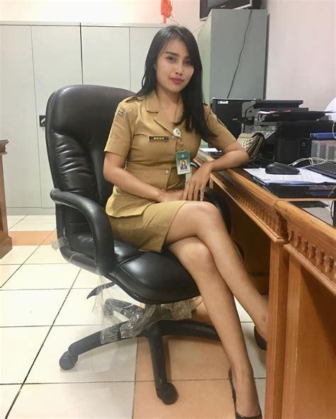Cerita Sex Dewasa Bercumbu Sama Karyawan Kantor Saat Jam