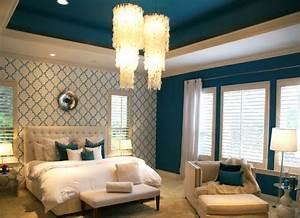 Ophreycom chambre couleur bleu paon prelevement d for Idee deco cuisine avec grand lit