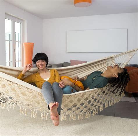 Hängematte Für Wohnzimmer h 228 ngematte im wohnzimmer garten freizeit