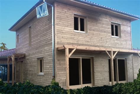 maison bardage bois menuiserie blanc 224 savigneux