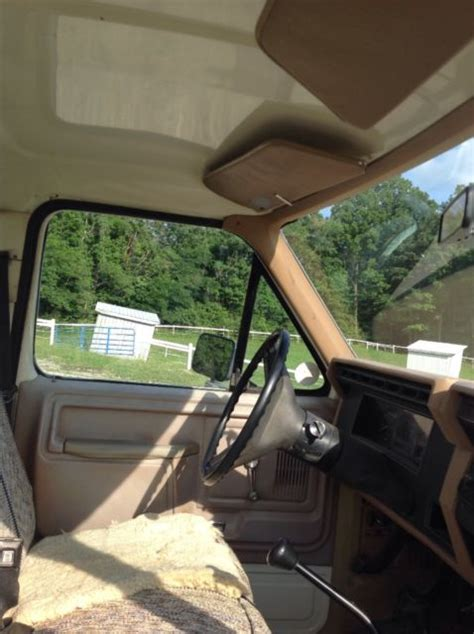 1983 Ford f 250 4 wd, 8 foot bed   Classic Ford F 250 1983