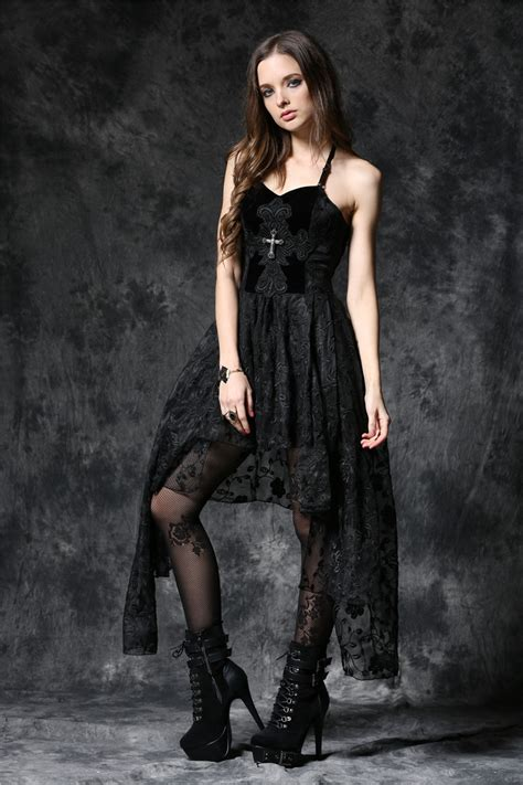 black bustier robe bustier gothique ornée d 39 une croix in