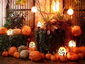Wooden Cabin Decoration Ideas For Halloween