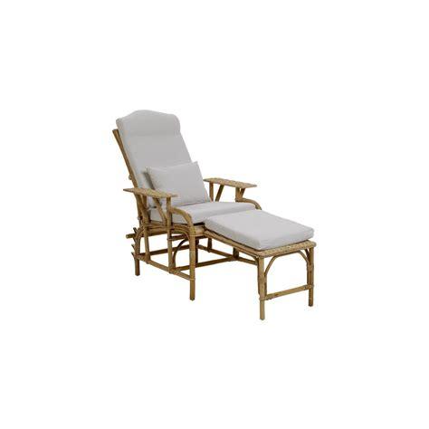 chaise longue en rotin coussin chaise rotin maison design wiblia com